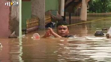 RTL Nieuws Duizenden evacuaties door overstromingen Indonesië
