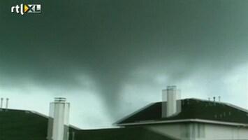 RTL Nieuws Texaans wonder: 18 tornado's, geen doden