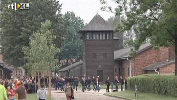RTL Nieuws Spelers Oranje bezoeken Auschwitz