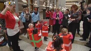 Editie NL Vakbonden in actie tegen te dure kinderopvang