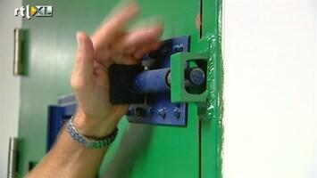 RTL Nieuws Het mes gaat in de gevangenisbegroting