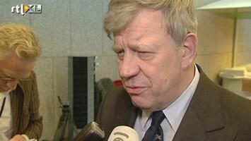 Editie NL Opstelten wil hogere straffen voetbalgeweld