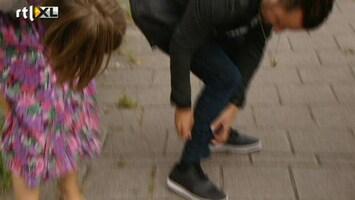Britt & Ymke En Het Mysterie Van ... Dennis gebeten door zwarte panter