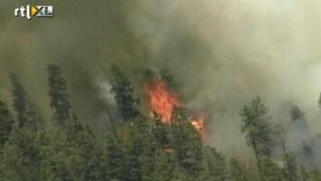 RTL Nieuws Honderden vluchten voor enorme bosbrand