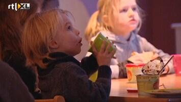 RTL Nieuws Kinderopvangtoeslag voor hogere inkomens fors omlaag