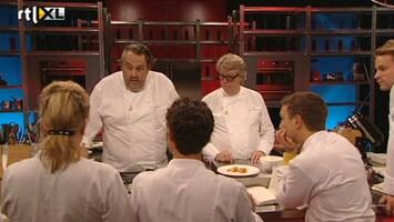 """Topchef Tegen Sterrenchef """"aflevering 1"""" - Bereiding Van Gamba's, Aardappelpuree, Zuurkool En Sushi Van Groente"""