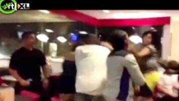 Editie NL Gênant: bitchfight in restaurant