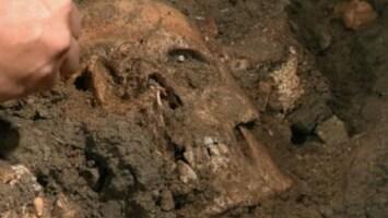 RTL Nieuws 'Skelet bij klooster is van Mona Lisa'