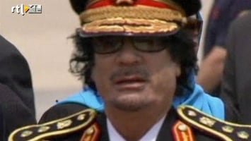 RTL Nieuws Khadaffi begraven in woestijn