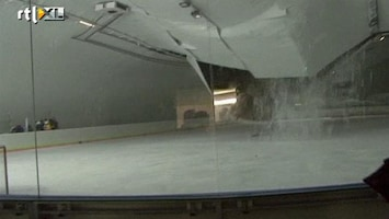 RTL Nieuws Dak ijshockeyhal Slowakije stort in