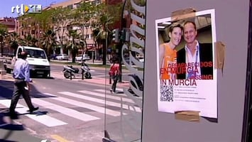 RTL Nieuws Vrijwilligers flyeren in Murcia voor vermist stel