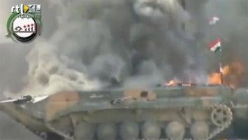 RTL Nieuws Rebellen blazen tank op in Aleppo, Syrië