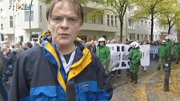 RTL Nieuws 2001: Neo-nazi's mogen demonstreren op Kurfürstendamm