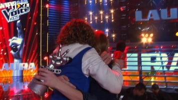The Voice Kids - Laura Pakt De Winst!