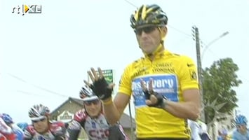 RTL Boulevard Lance Armstrong raakt Tour-titels kwijt