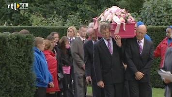 RTL Nieuws Jennefer begraven in roze kist