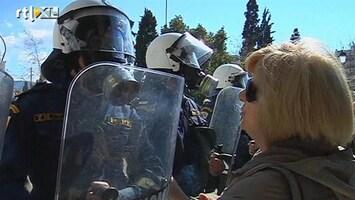 RTL Nieuws Politie grijpt hard in bij megastaking Griekenland
