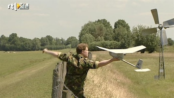 RTL Nieuws Mini-vliegtuigjes checken zwakke dijken