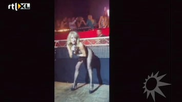 RTL Boulevard Patricia Paay geeft striptease