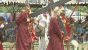 RTL Boulevard Britt en Ymke in voetsporen Jezus Christus