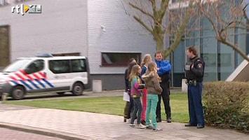 RTL Nieuws Politiebewaking scholen Leiden blijft voorlopig