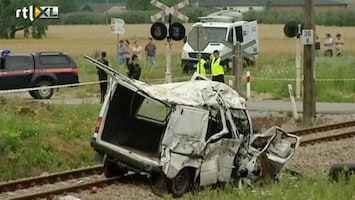 RTL Nieuws Trein ramt busje in Polen: negen doden