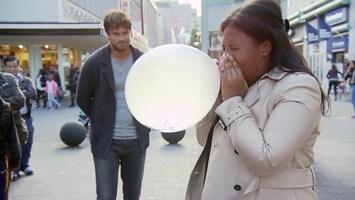 Wie Is De Sjaak?: Ballon opblazen met je neus (fragment)