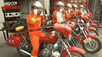 RTL Nieuws Brandweer in Peking pakt de motor
