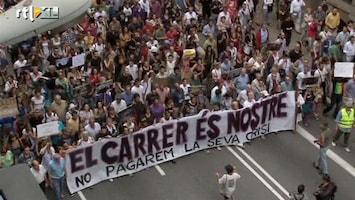 RTL Nieuws Duizenden jongeren de straat op in Spanje