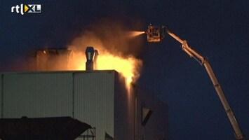 RTL Nieuws Brand in graansilo; brandweer blust al twee dagen