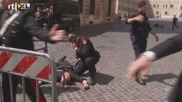 RTL Nieuws 2 agenten neergeschoten in Rome (eerste beelden)