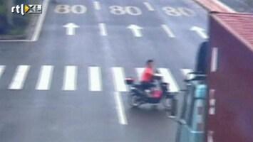RTL Nieuws Scooterrijder versus vrachtwagen