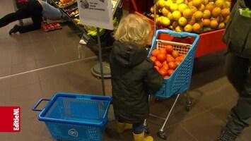 Met gratis fruit de winkel uit