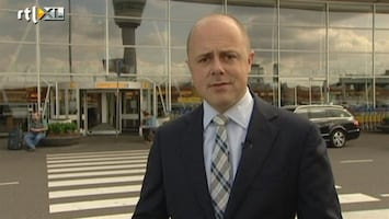 RTL Nieuws Koen de Regt: Paspoort met handtekening, ook als je 3 maanden oud bent