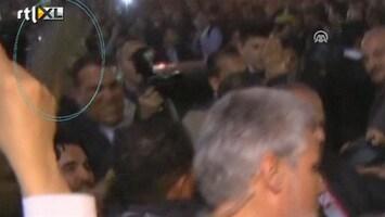 RTL Nieuws Beledigende schoen voor Ahmadinejad