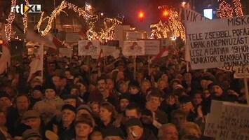 RTL Nieuws Massaprotest Hongaren tegen grondwet