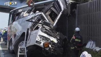 RTL Nieuws Geluidscherm klief bus doormidden: 7 doden