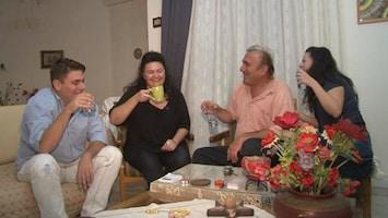 RTL Nieuws Grieken gaan weer thuis wonen