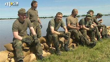 RTL Nieuws 'Onze jongens' helpen bij overstromingen Duitsland