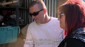 Storage Hunters - Behind Closed Doors