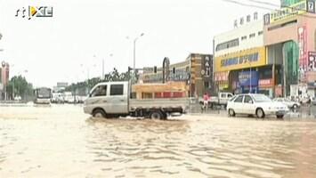 RTL Nieuws Zeker 37 doden door regen in Peking