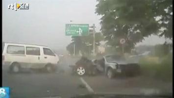RTL Nieuws Chauffeur filmt dodelijk frontaal ongeluk
