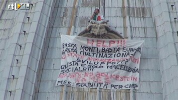 RTL Nieuws Betoger op koepel Vaticaan staakt actie