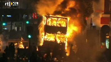RTL Nieuws Politie schiet man dood, rellen in Londen