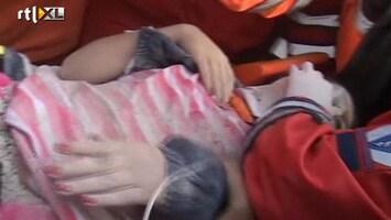 RTL Nieuws Slachtoffers beving Turkije uit puin gehaald