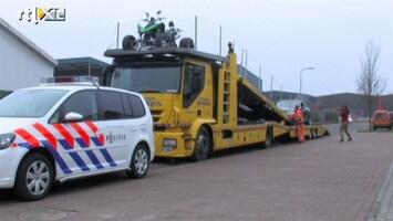 RTL Nieuws Politie zoekt geld, drugs en wapens