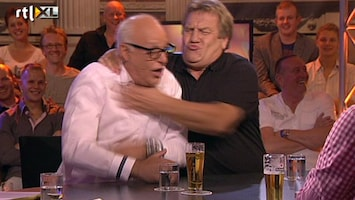 Vi Oranje Rene en Johan zetten de boel vast op scherp