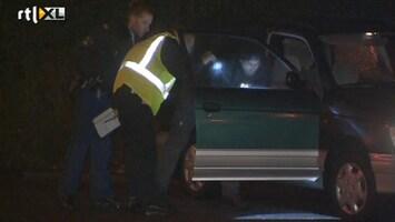 RTL Nieuws Politie vindt lijk in auto Rotterdam