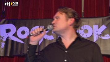 Editie NL Sander Paulus doet live karaoke