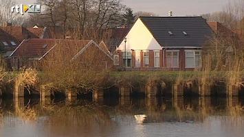 RTL Nieuws Dijk in Groningen versterkt met klei